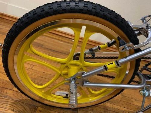 ⭐🌟Netflix BMX-style Bike,20 Slv/Yellow🌟⭐🌟🌟🌟