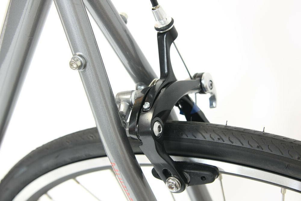 New Windsor Wellington 3.0 Aluminum Bicycle Shimano Gray